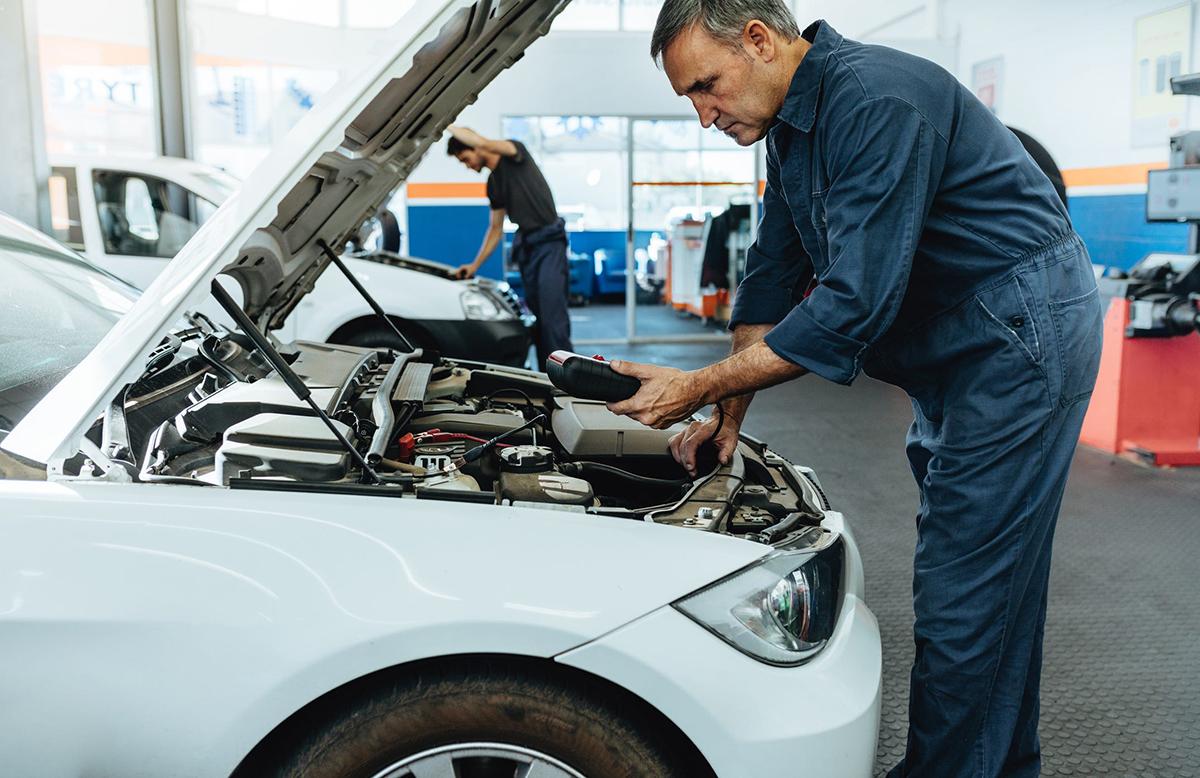 Problemas eléctricos y de encendido del motor